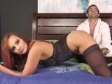 Sexuchtivá zrzka šoustá před kamerou