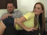 Ženatý muž si užije s přírodní prsatou holkou