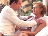 Mladý muž prožije dobrodružství se starou ženskou