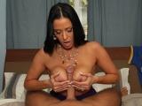 Divoký sex s mrduchtivou maminou