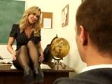 Studentovi se zdálo, jak prcá svou třídní učitelku