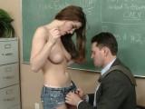 Učitel zneužije svou studentku