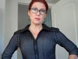 Perverzní matka zaučuje v sexu