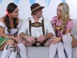 Trojka s holkama z Oktoberfestu