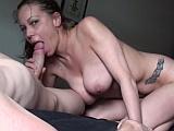 Prsatá amatérka vykouří svého muže