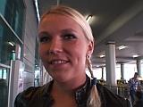 Ošukání Češky z letiště