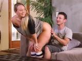Prdelatá holka dokáže potěšit chlapa
