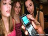 Tyhle tři holky jsou pekelně nadržené a chtejí si zašukat