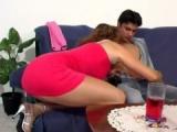 Zralá zkušená ženská si užije se zajíčkem