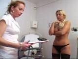 Prohlídka ženy na české gynekologii #5