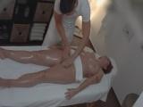 Erotická masáž natočená na skrytou kameru