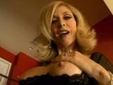 Zralá panička Nina Hartley šuká jako za mlada