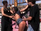 Dívka se nechá mučit a šukat na veřejnosti #5 (BDSM video)