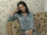 Žhavá ruská amatérka si pohraje se svou vlhkou kundičkou