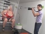Mladý fotograf ošuká boubelku – české porno