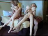 Dva chlápci pořádají swingersakci s nafukovacíma pannama
