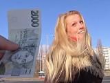 České holky z ulice – Prsatá blondýnka Lucie