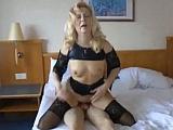 Manžel natáčí svou ženu při sexu s mladíkem