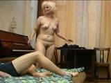 Mladík nafilmoval na skrytou kameru sex s učitelkou klavíru