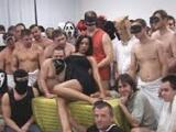 Česká pornoakce aneb hromadné vymrdání Petry