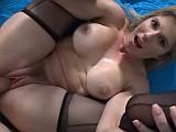 Zkušená mamina dává další lekci sexu