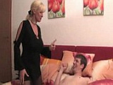 Kozatá mamina nachytá nevlastního syna při honění
