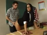 Student nedokázal odolat sexy tělu své učitelky