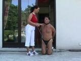 Dominantní žena mučí svého submisivního muže
