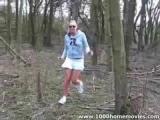 Mladý amatérský pár si to rozdá v lese
