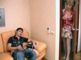Nadržená tetička přistihne synovce při honění