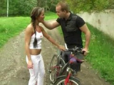Česká teenka si zašuká s cyklistou