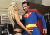 Superman šuká s kozatou blondýnkou