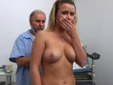 Prohlídka ženy na české gynekologii #10