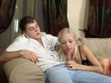 Bratr si zašuká se svou mladší nevlastní sestrou
