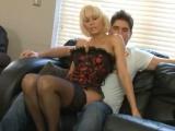 Zkušená prostitutka obslouží dalšího zákazníka