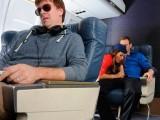 Letuška vykouří a ošuká cestujícího