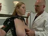 Doktor nemrava si z ní udělá sexuální otrokyni