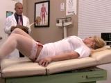 Zdravotní sestra dá zaprcat doktorovi