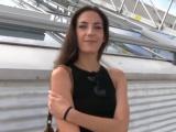 Public agent aneb Rychlý prachy – brunetka z parkoviště
