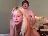 Osmnáctiletí vysílají svůj sex přes webkameru