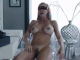 Sexy panička si užije virtuální sex