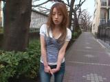 Submisivní Japonka s chlupatou kundou