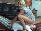 Matka ojede nezkušeného kluka