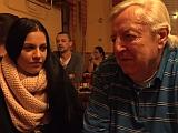 Opilá dvojčata dají zaprcat štamgastovi – české porno